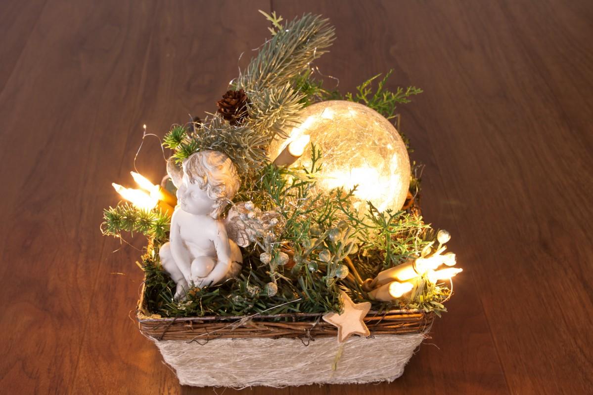 deko korb mit engel und glaskugel mit 10tlg lichterkette m bel wohnen dekoration. Black Bedroom Furniture Sets. Home Design Ideas